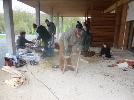 Rdv mobilier de jardin en palette avec les jeunes de toit for Rdv jardin 2015